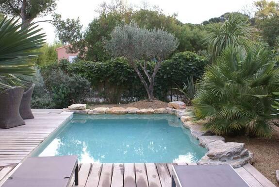 <i>Avant piscine</i>